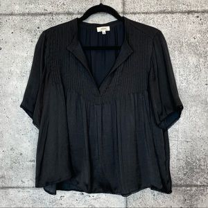 Aritzia // Wilfred // Pleated Satin Blouse